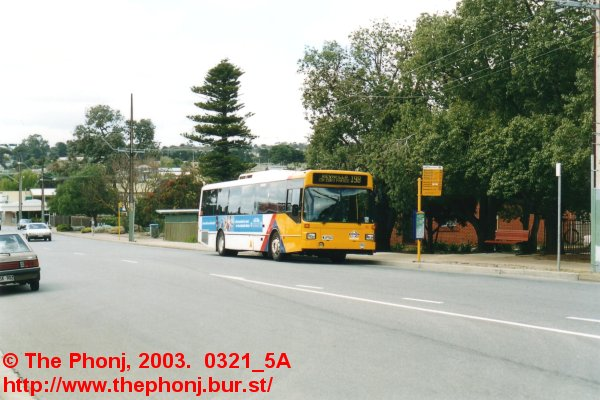 860 at stop 44, Old Reynella