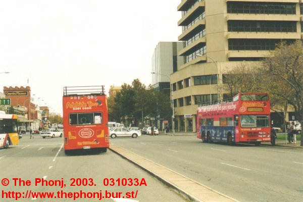City Sightseeing 413 and 414 in Victoria Square